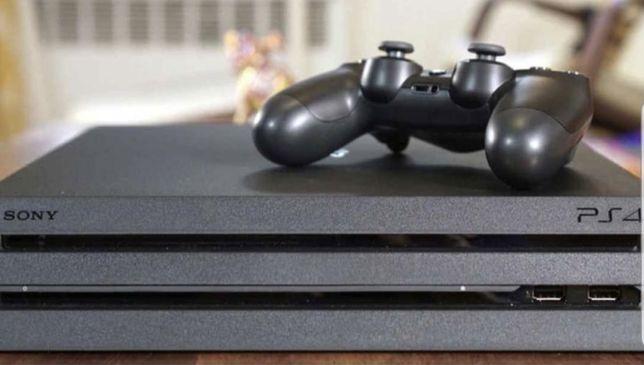 PS4 PRO 1TB + 2 Comandos + Jogos (varios)