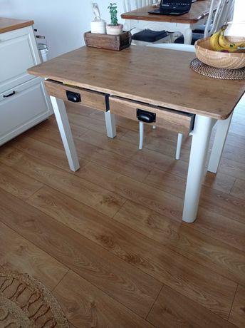 Stół, stary stół