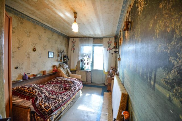Продам 3-к квартиру на ж/м Кротова (ул. Д. Нечая)