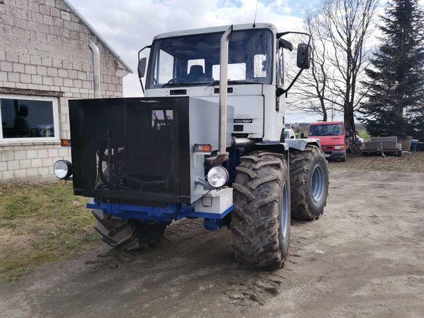 Ciągnik rolniczy kirowiec t 150k HTZ 240KM