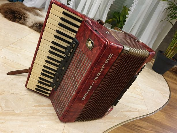 Akordeon Weltmeister Stella 120 Bass 4 chórowy.