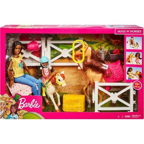 Набор Барби и Челси верховая езда Barbie Hugs N Horses Playset.