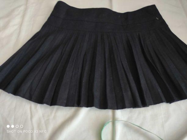 Ciepła spódnica mini