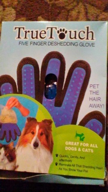Перчатка для вычесывания шерсти котикам,собачкам