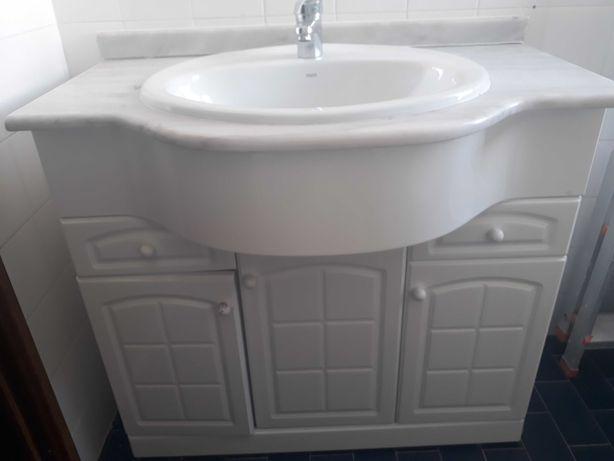 Vende-se móvel de casa de banho