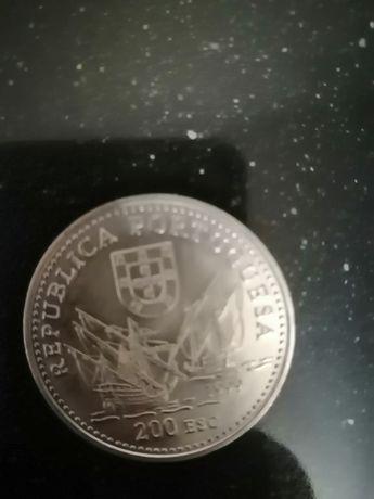200 escudos Duarte Pacheco Pereira
