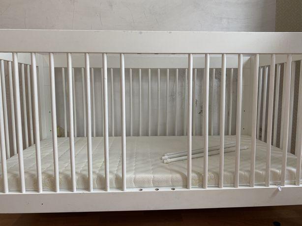 Детская кроватка Pinio Basic 140x70 с матрасом