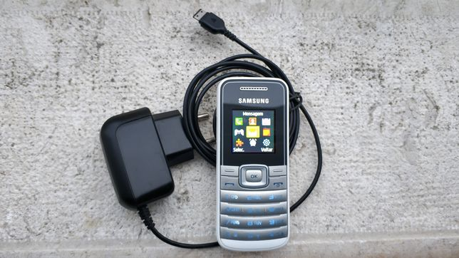 Telemóvel Samsung GT-E1050