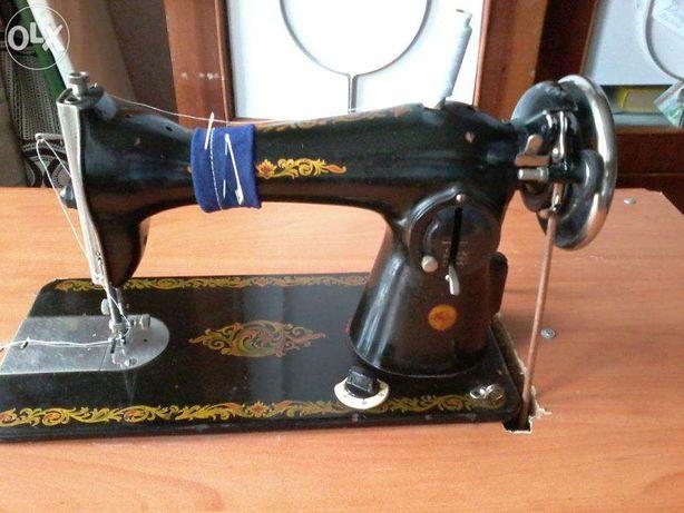 Продам швейную машинку Зингер и Чайка
