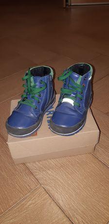 Продам детские ботинки Bartek