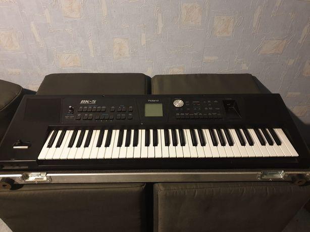 Roland BK-5 + case