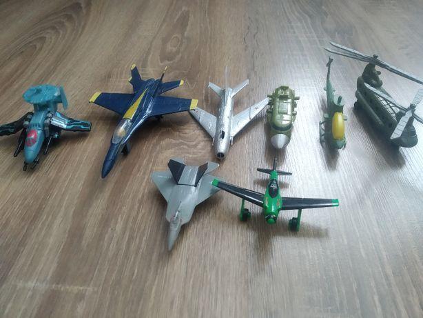Игрушки. Самолеты. Вертолеты