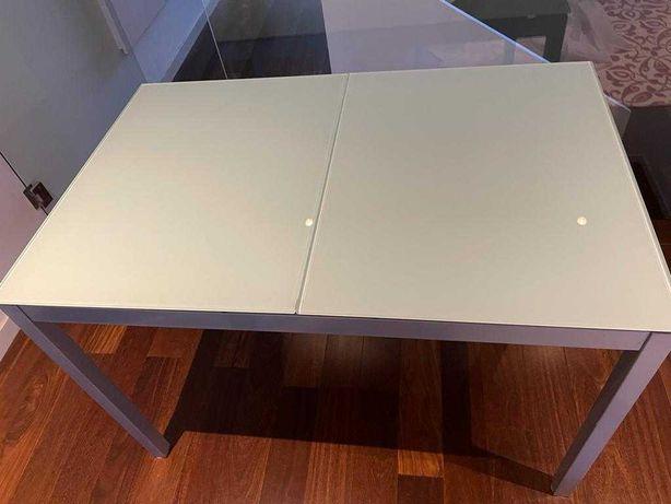 Mesa de vidro extensível + 4 cadeiras