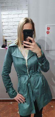 Miętowy piękny atłasowy trencz płaszcz prochowiec Orsay 36