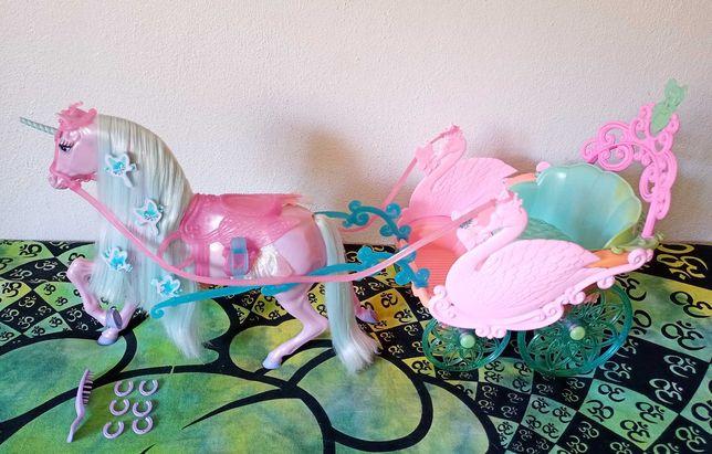 Cavalo e Carruagem da Barbie Lago dos Cisnes (2003)