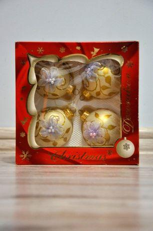 Упаковка новогодних шаров, новорічні шари, іграшки на ялинку