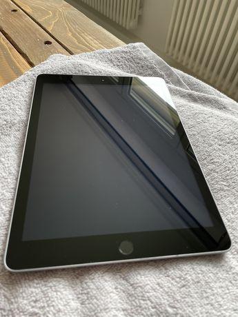 iPad 5 generacji 128GB