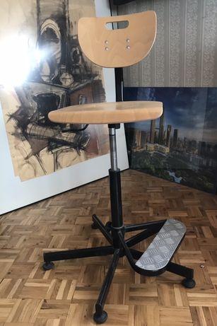 Krzesło obrotowe warsztatowe