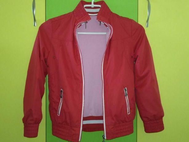 Продам куртку-ветровку с отстегивающей трикотажной кофточкой