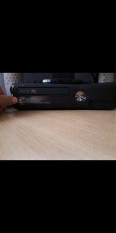 Xbox 360 gry +2 pady
