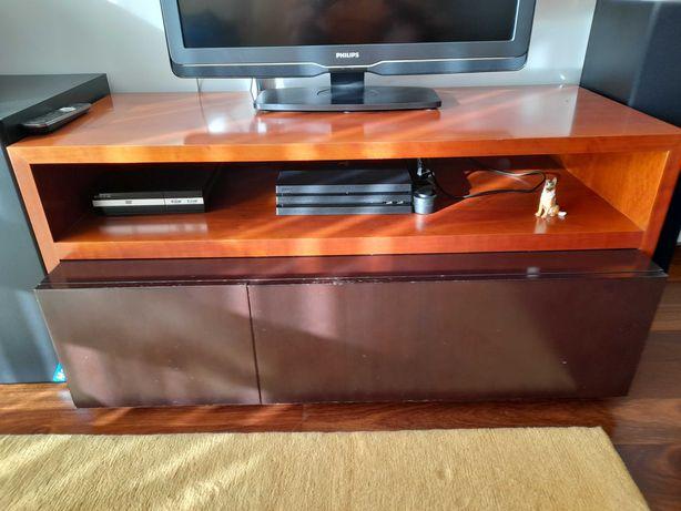 Móvel TV com gavetas em Cerejeira