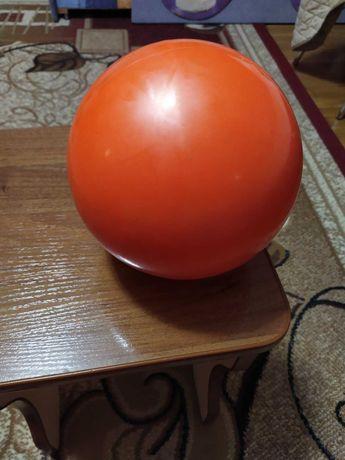 Гімнастичний м'яч