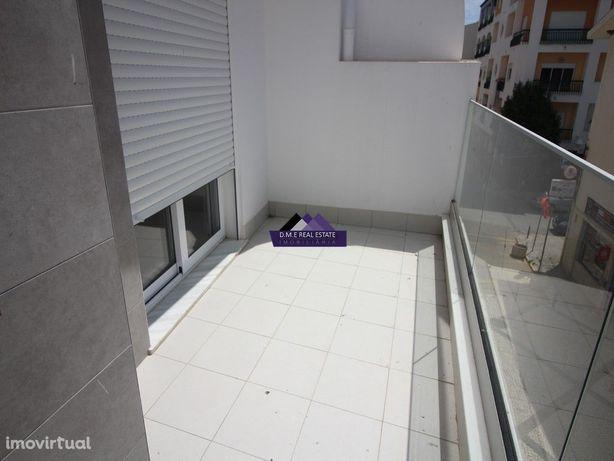 Apartamento Novo T1+1 no centro de Monte Gordo