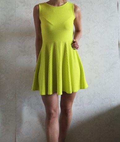 #neon #sukienka #piękna #bloggerska #lekkie #wycięcie Rozmiar S M