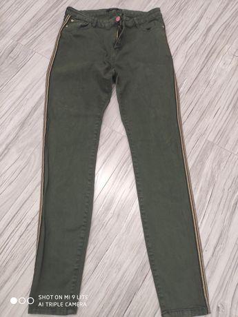 Spodnie  Reserved 40