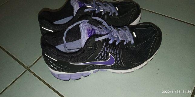 Nike vonero 6 roz 38,5 24.5 cm