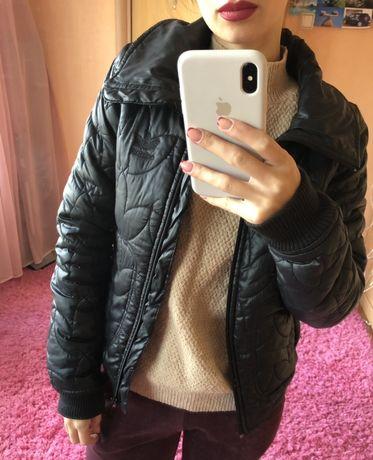 Осенняя куртка Adidas женская черная