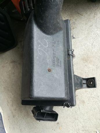 Obudowa filtra powietrza Audi 80 2.6 V6