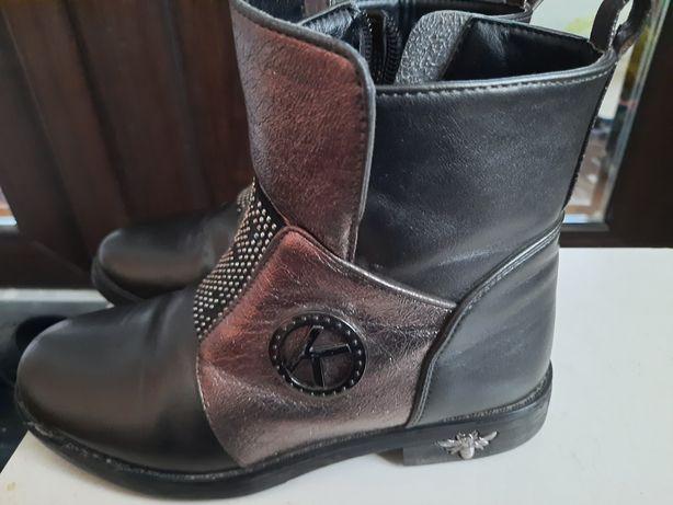 Демісезонні ботіночки, чобітки для дівчинки 32р
