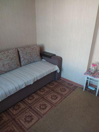 Сдам комнату в трехкомнатной квартире с хозяйкой