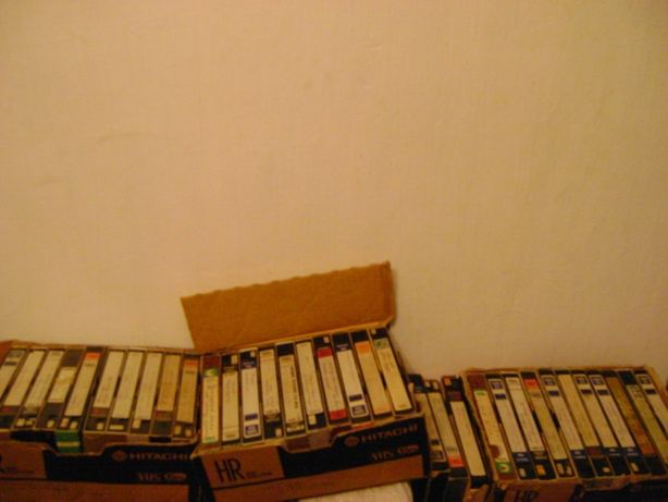 Видеокасеты, б.у, с фильмами в хорошем качестве, в наявности 34 штукию