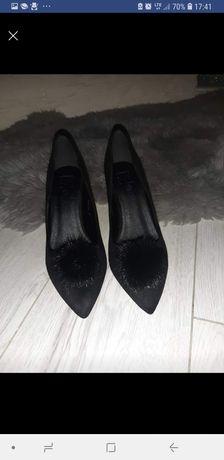 Buty szpilki czarne futerko roz 38