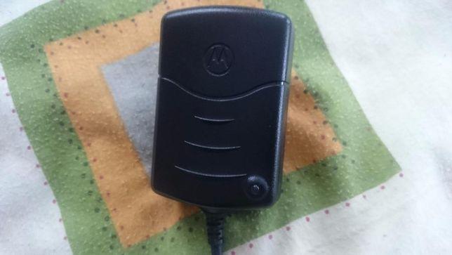 Сетевое зарядное устройство(оригинал) motorola psm4604c+переходник.