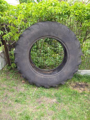 Opona od traktora (strongman, piaskownica, kwietnik)