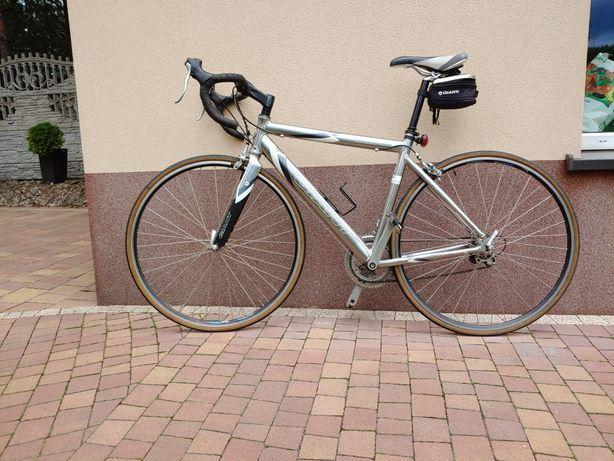 Rower szosowy kolarzówka GIANT OCR