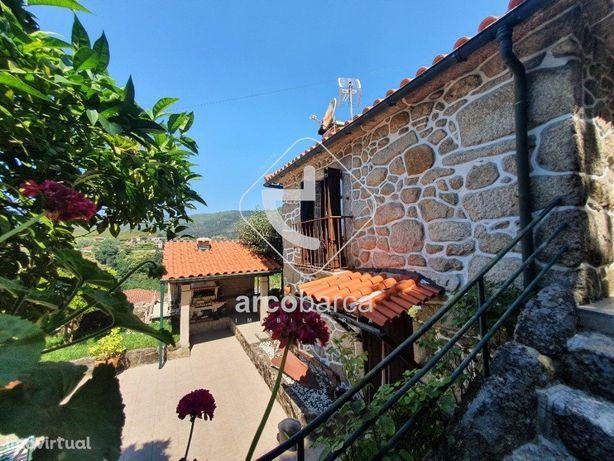 Casa com piscina em Cabreiro-Arcos de Valdevez, vistas de montanha nos