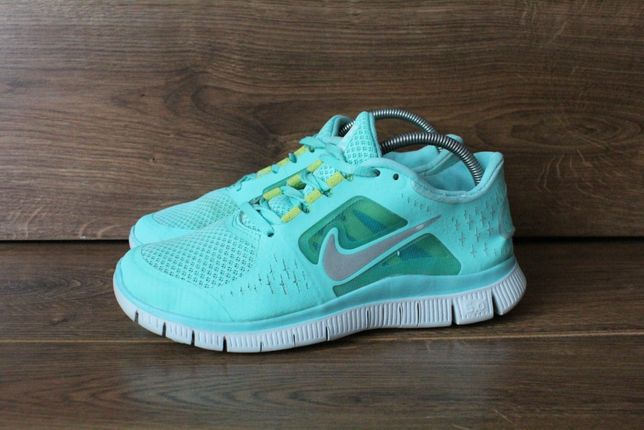 Крутые кроссовки Nike free run 3