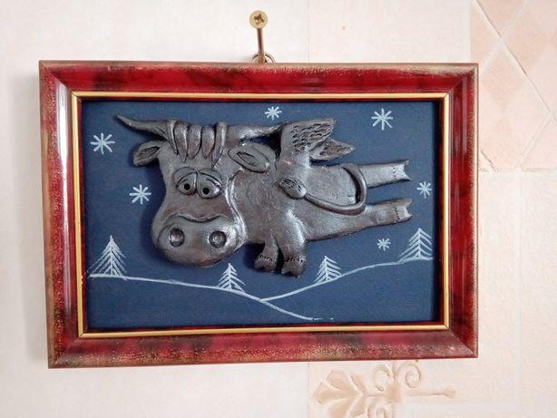 Картина из глины Бык с крылышками, керамика, в раме