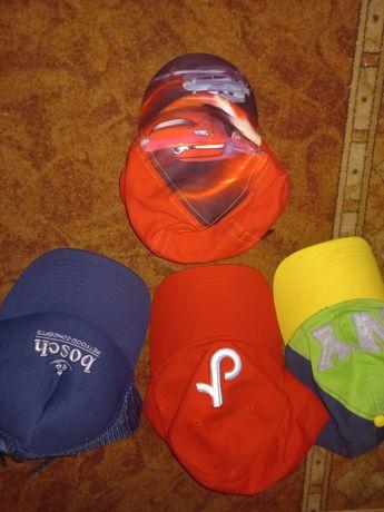 Кепки,шапочки и комбенизон