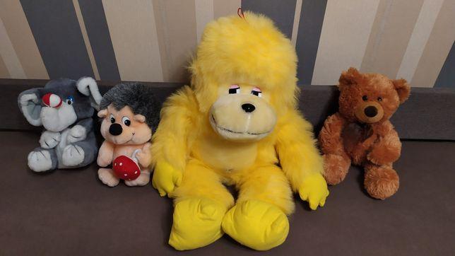 Мягкая игрушка, слон, ёжик, обезьяна, мишка.