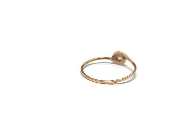 złoty pieścionek 585/0,71G r15