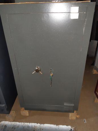 Продаю б.у сейф 2 класс защиты.