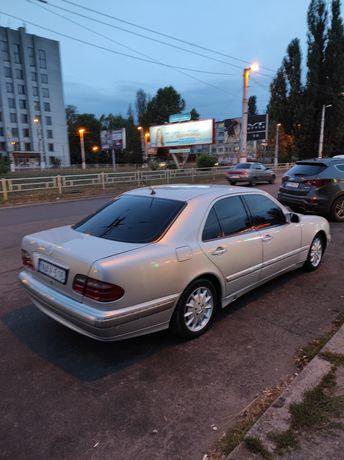 Mercedes-Benz e280, W210