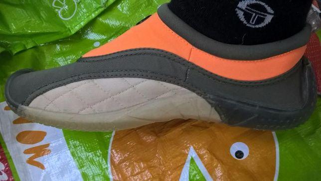 дитяче взуття для бігу.зарядки.фітнеса і т.д.легкі і удобні.оригінал!!