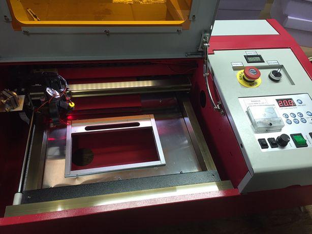 Máquina laser gravadora / corte co2 40w full upgrade K40 NOVA