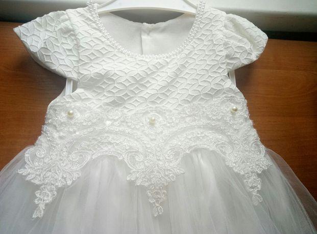 Святкова сукня для маленької дівчинки
